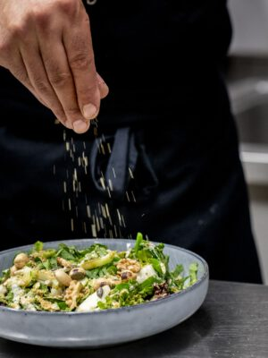 Bader Salat im Speiselokal KASPAR